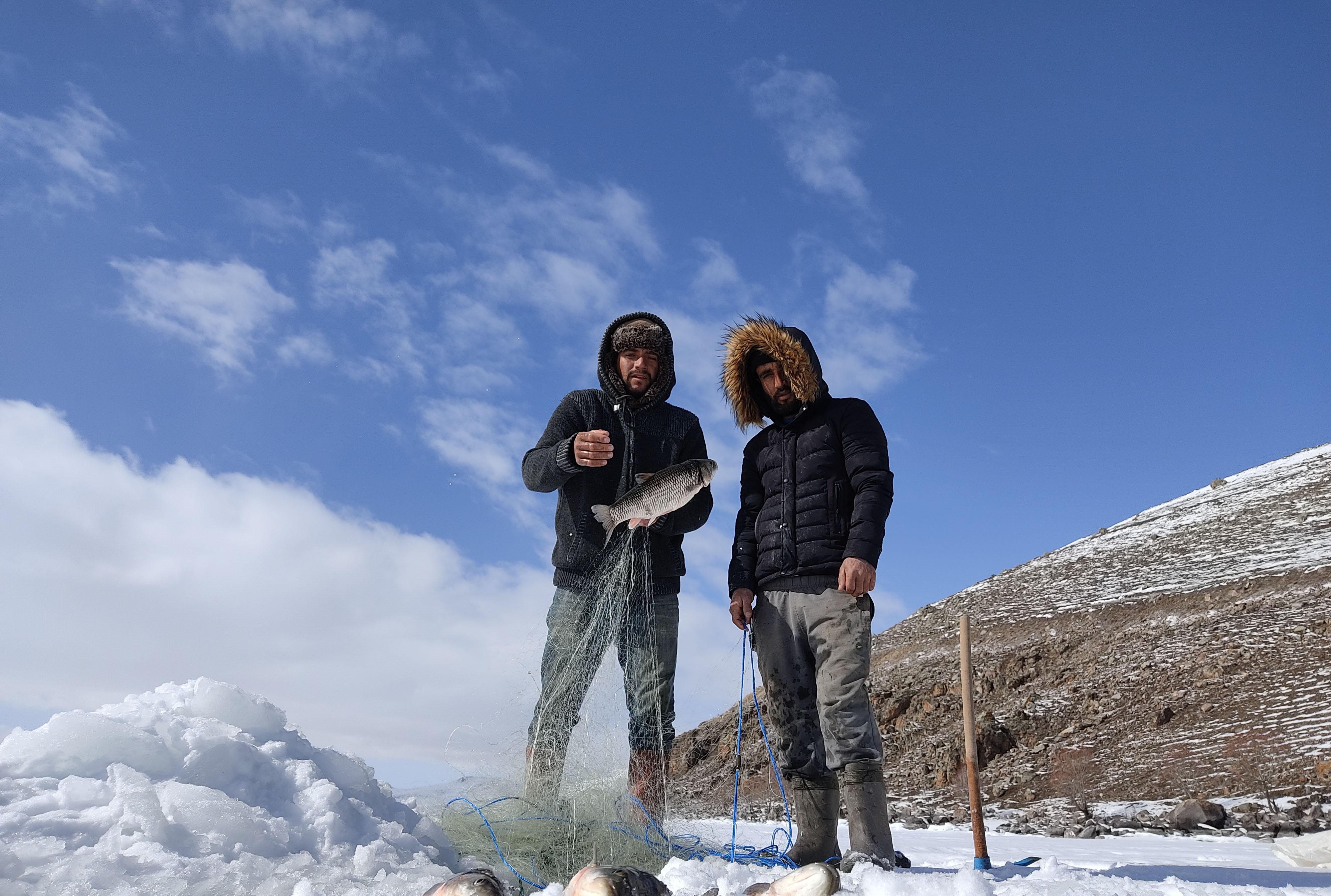 cildir-golunde-'eskimo'-usulu-balik-avi-(4).jpg
