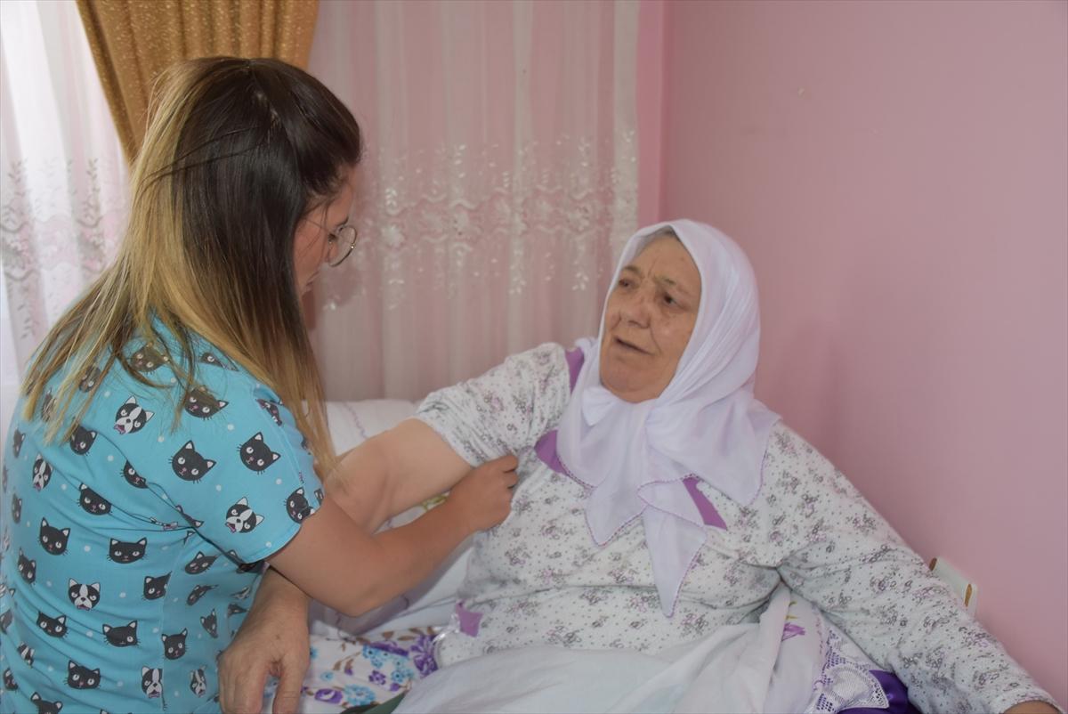hastalarin-duasini-alarak-gonullerini-kazaniyorlar-(3).jpg