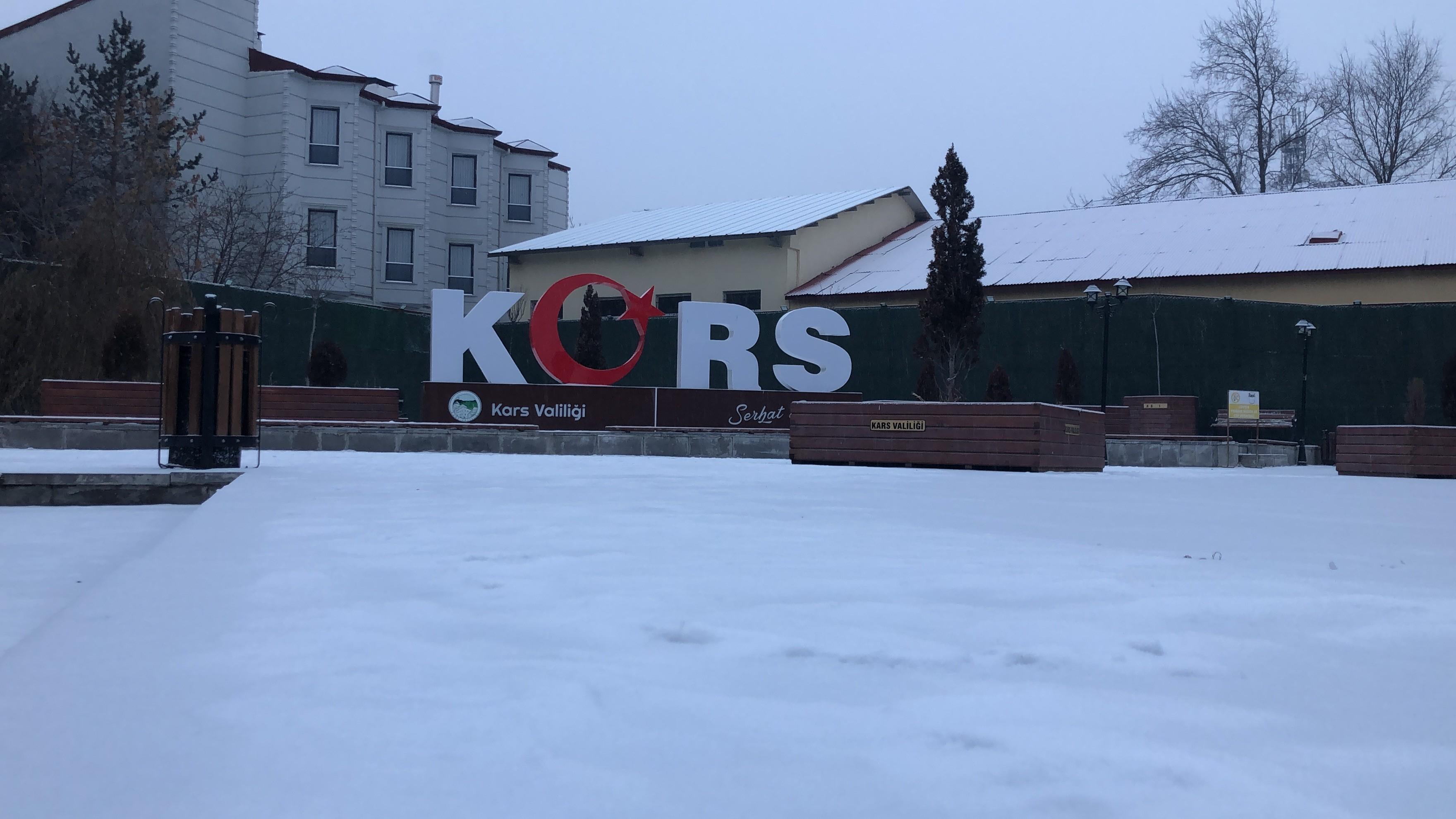 kars'ta-kar-yagisi-etkili-oldu-(2).jpg