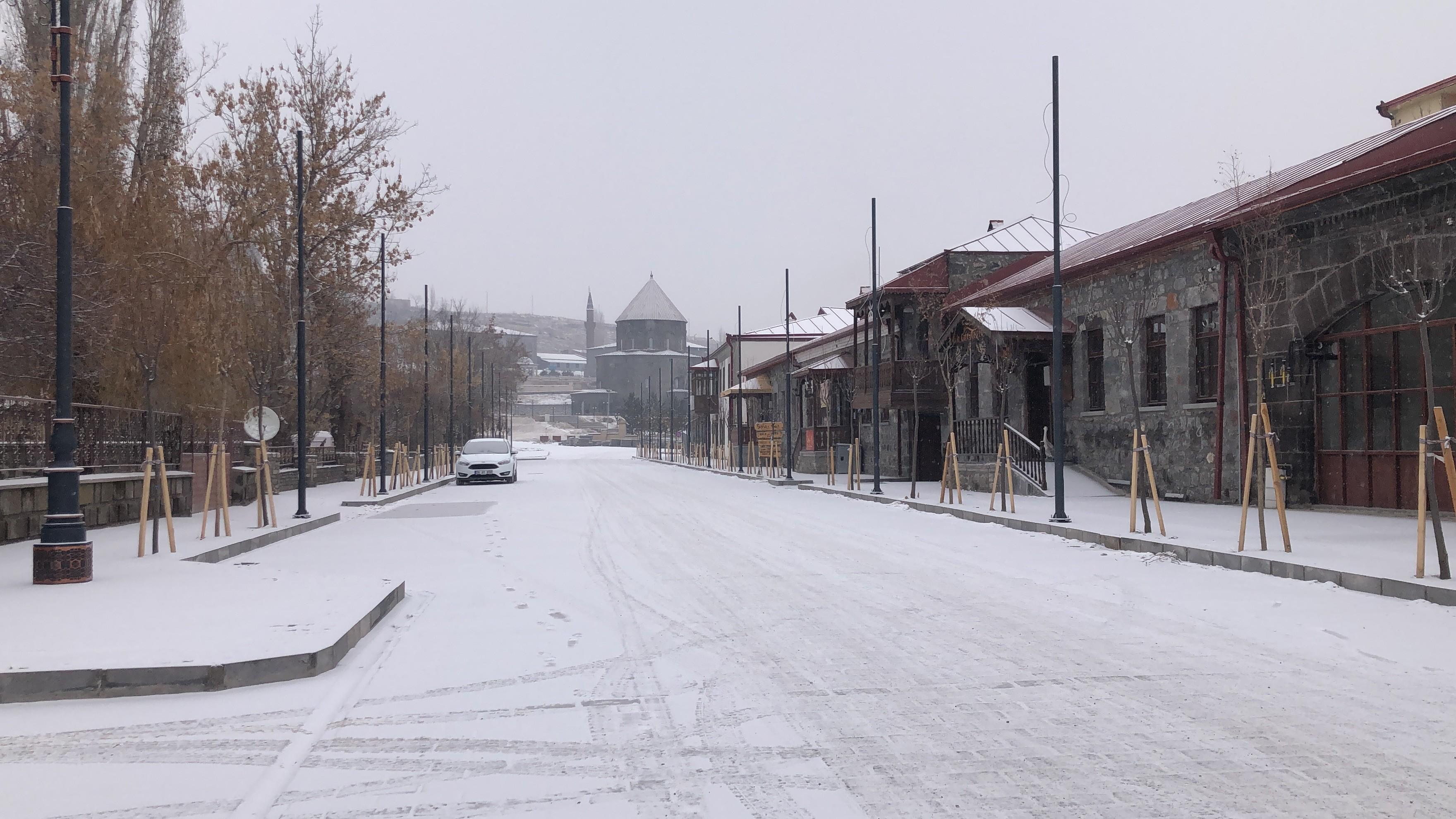 kars'ta-kar-yagisi-etkili-oldu-(3).jpg