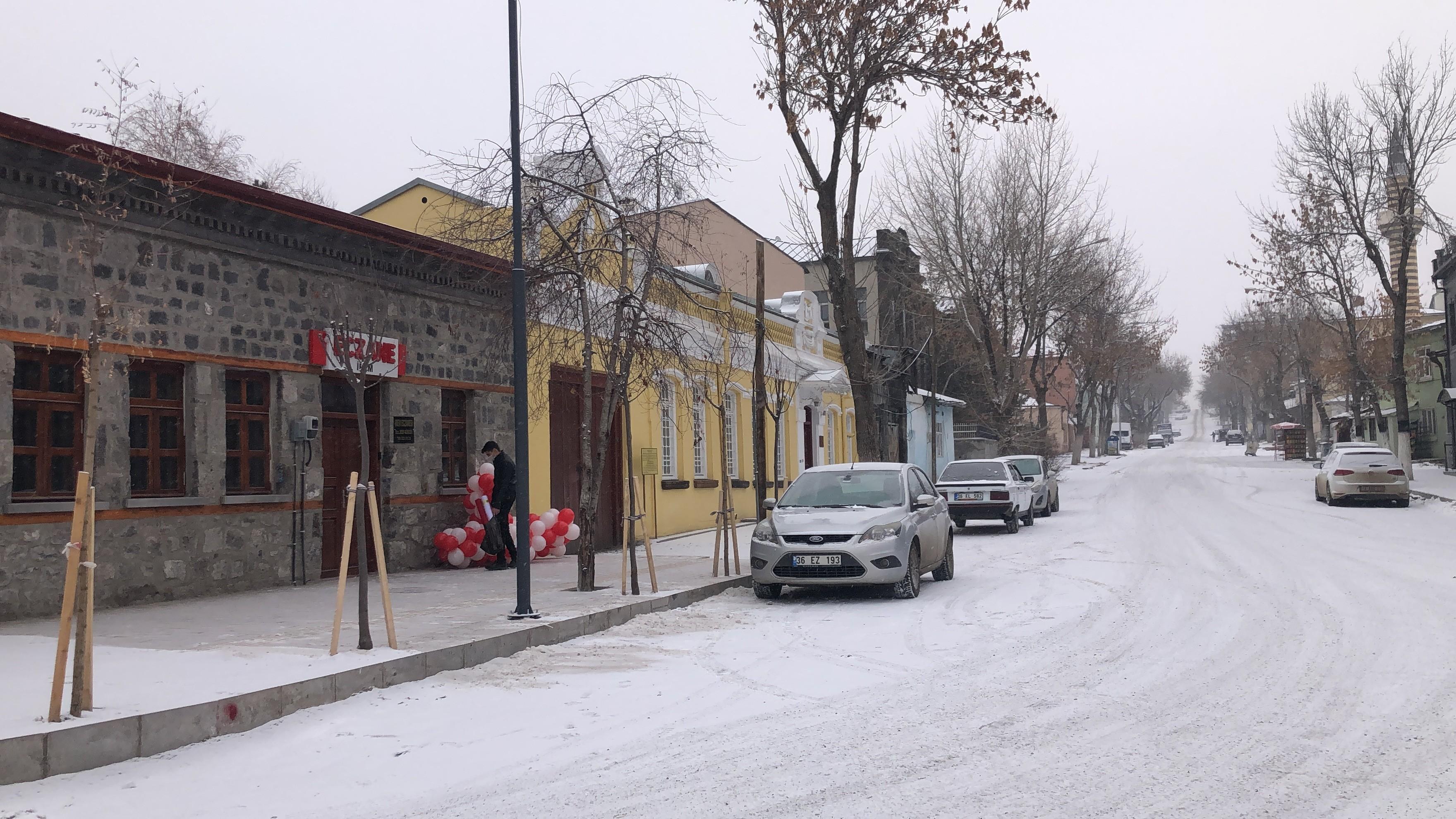 kars'ta-kar-yagisi-etkili-oldu-(4).jpg
