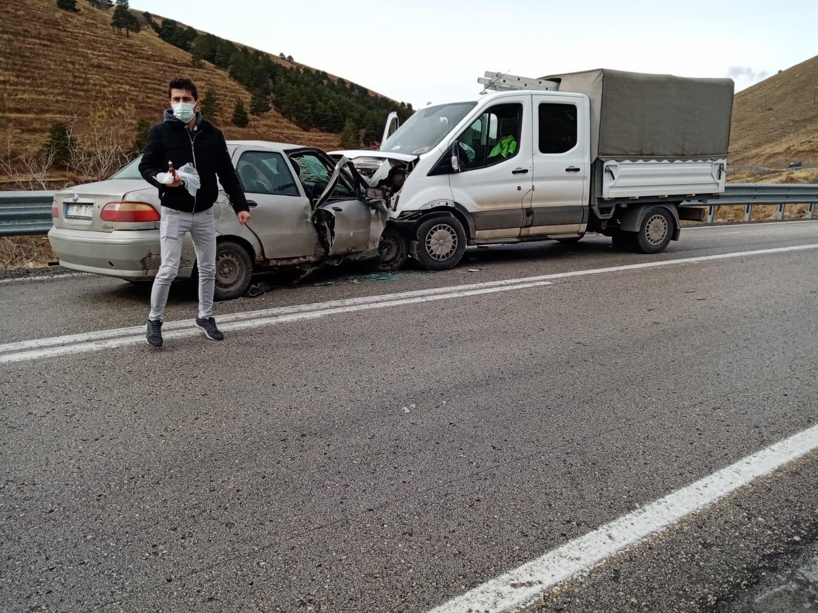 kars'ta-trafik-kazasi-7-yarali-(4).jpg