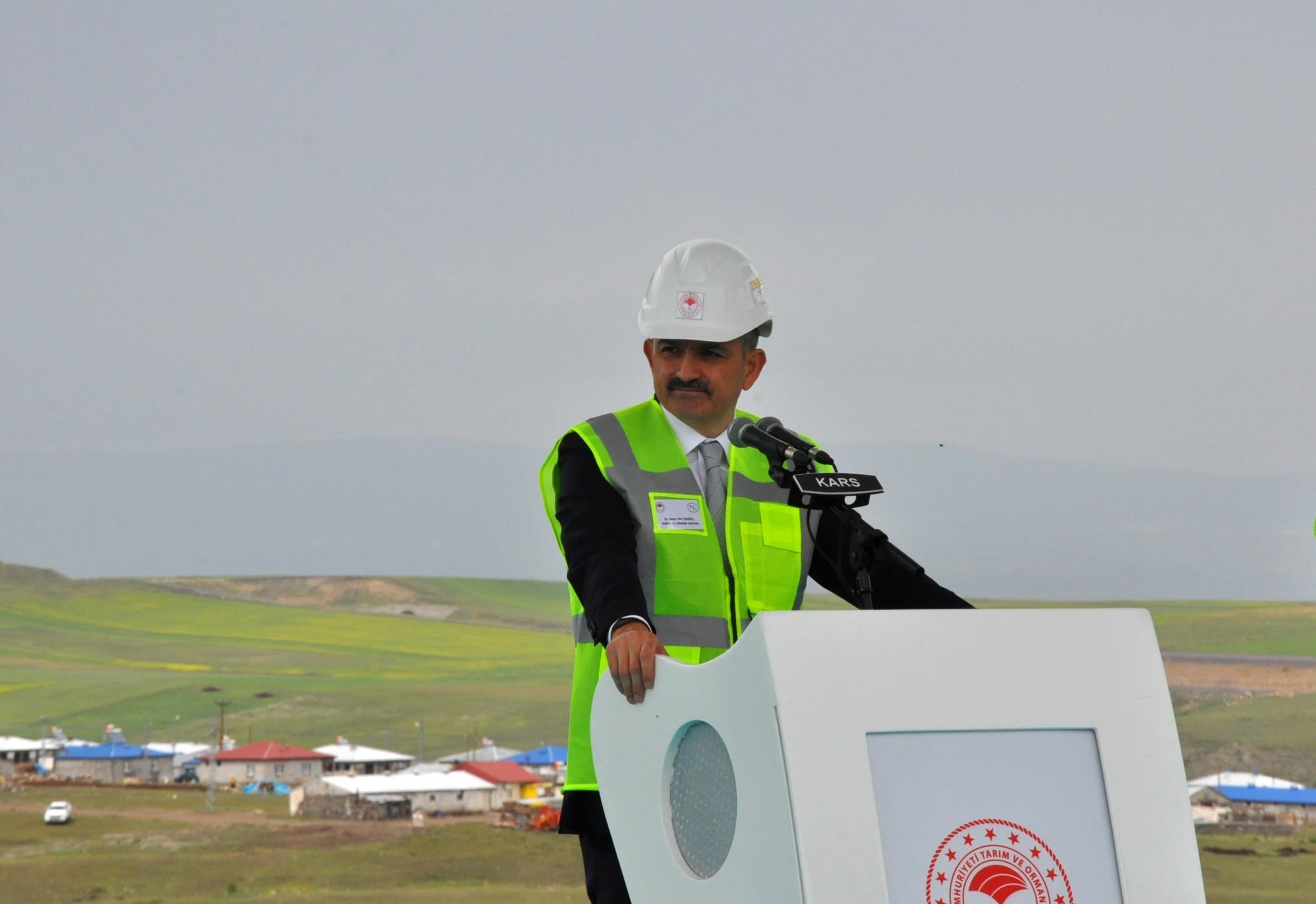 kars-baraji'nin-acilisini-cumhurbaskani-erdogan-video-konferansla-yapti-(1).jpg