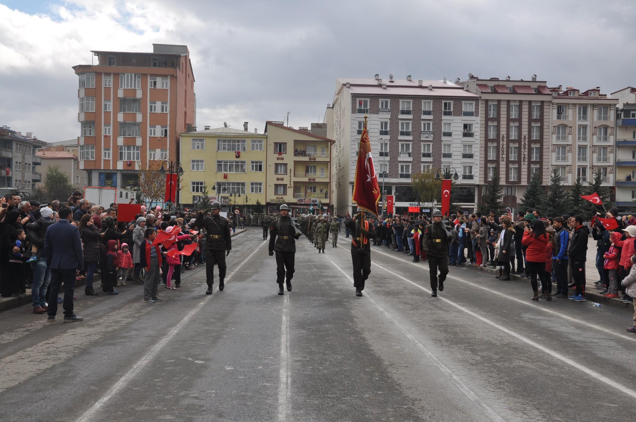 kars-cumhuriyet-coskusu-(3).jpg