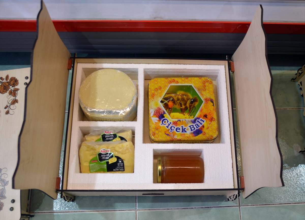 karsin-peynirleri-ozel-kutuya-girdi-(1).jpg