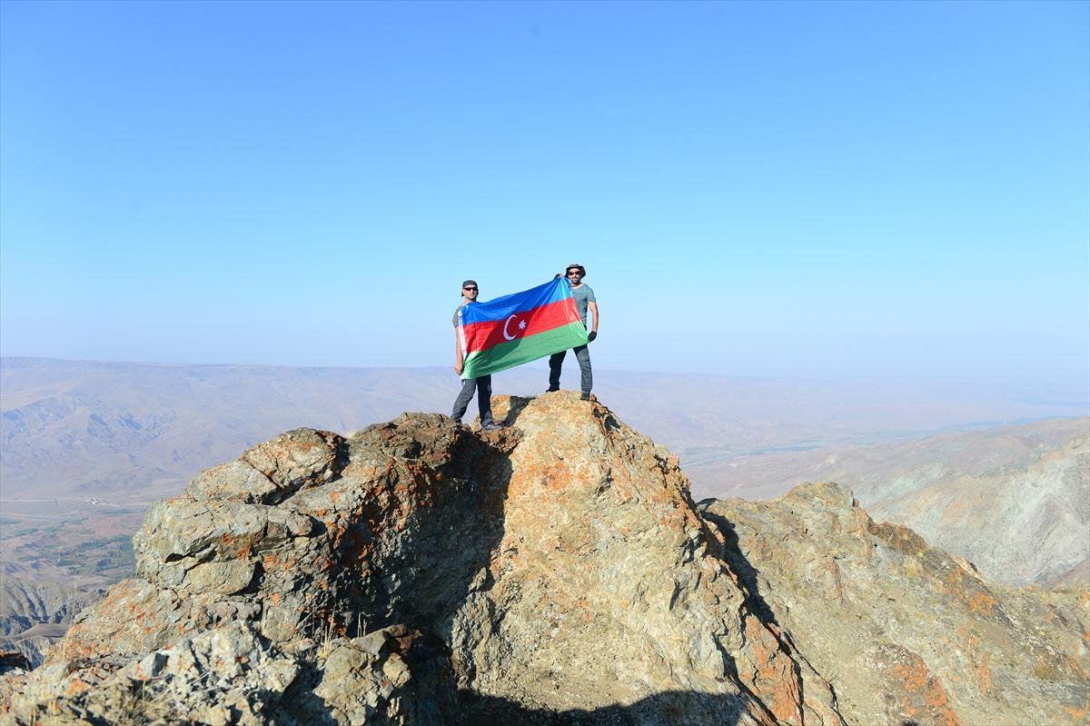karsli-dagcilar-azerbaycana-destek-verdi-(5).jpg
