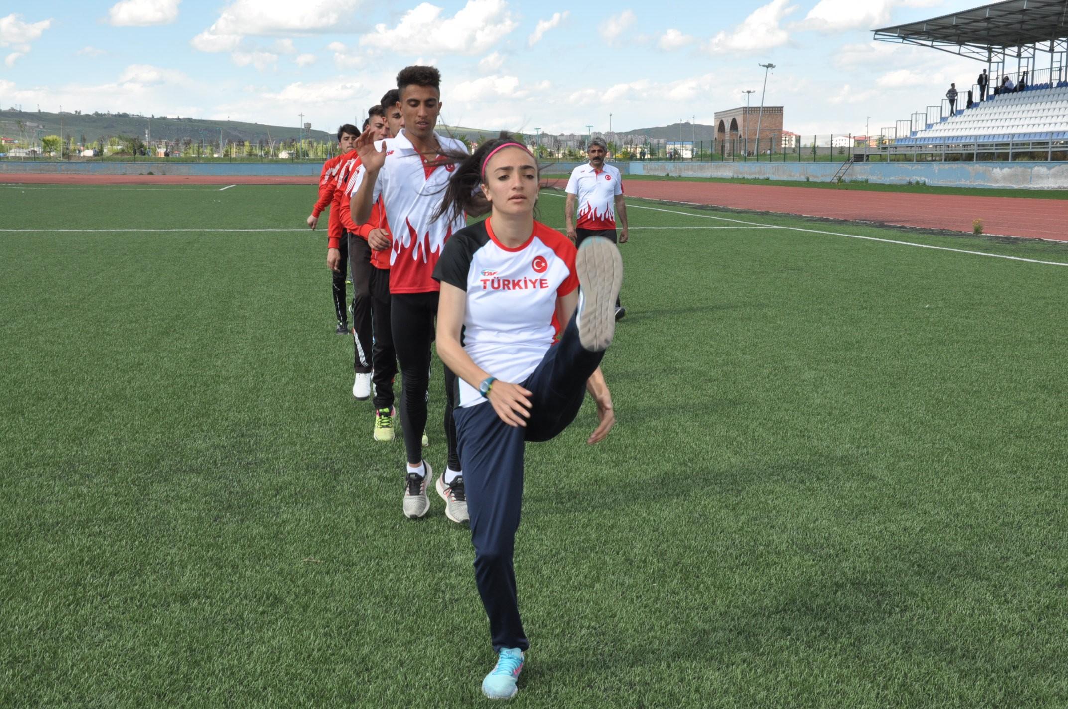 karsli-milli-atletler,-calismalarini-bayramda-da-surduruyor-(2).jpg