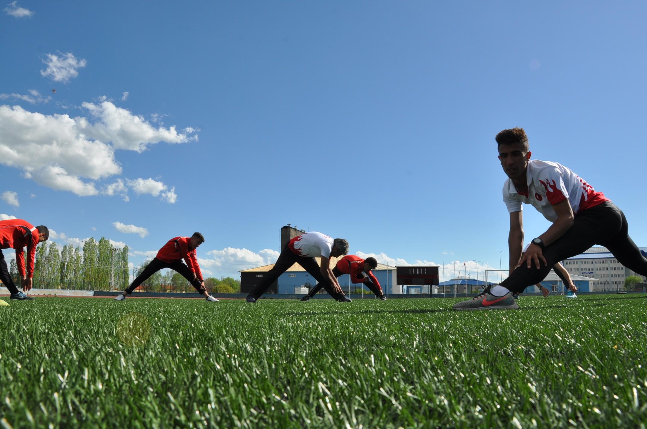 karsli-milli-atletler,-calismalarini-bayramda-da-surduruyor-(6)-001.jpg
