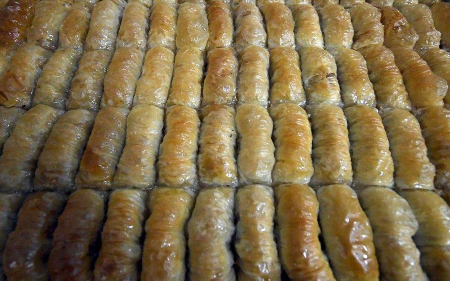 karsta-tatli-ve-firincilarin-yogun-ramazan-mesaisi-(4).jpg