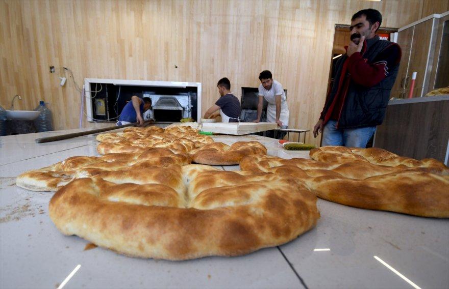 karsta-tatli-ve-firincilarin-yogun-ramazan-mesaisi-(9).jpg