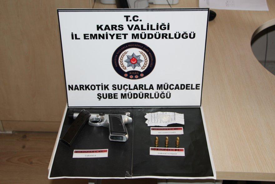 karsta-uyusturucu-operasyonu-(2)-001.jpg