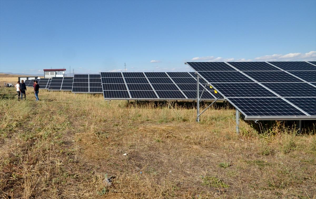 kis-kentinde-gunes-enerjisiyle-3-bin-hanenin-elektrik-ihtiyacini-karsiliyor-(6).jpg