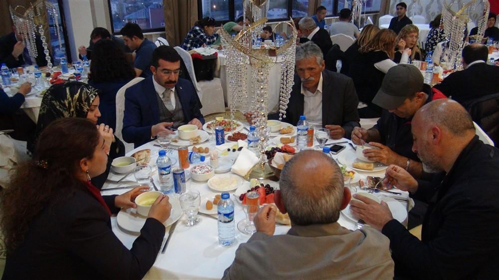 rahmi-dogan-sehit-gazi-ailelerine-iftar-(4).jpg
