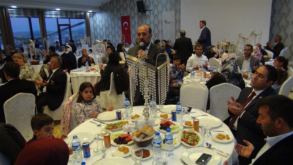 rahmi-dogan-sehit-gazi-ailelerine-iftar-(7).jpg