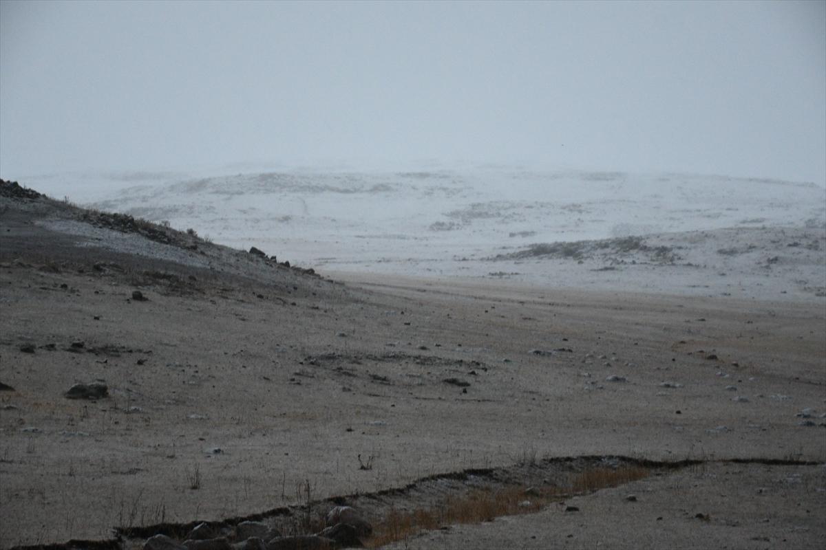 sakaltutan-gecidinde-kar-yagisi-(2).jpg