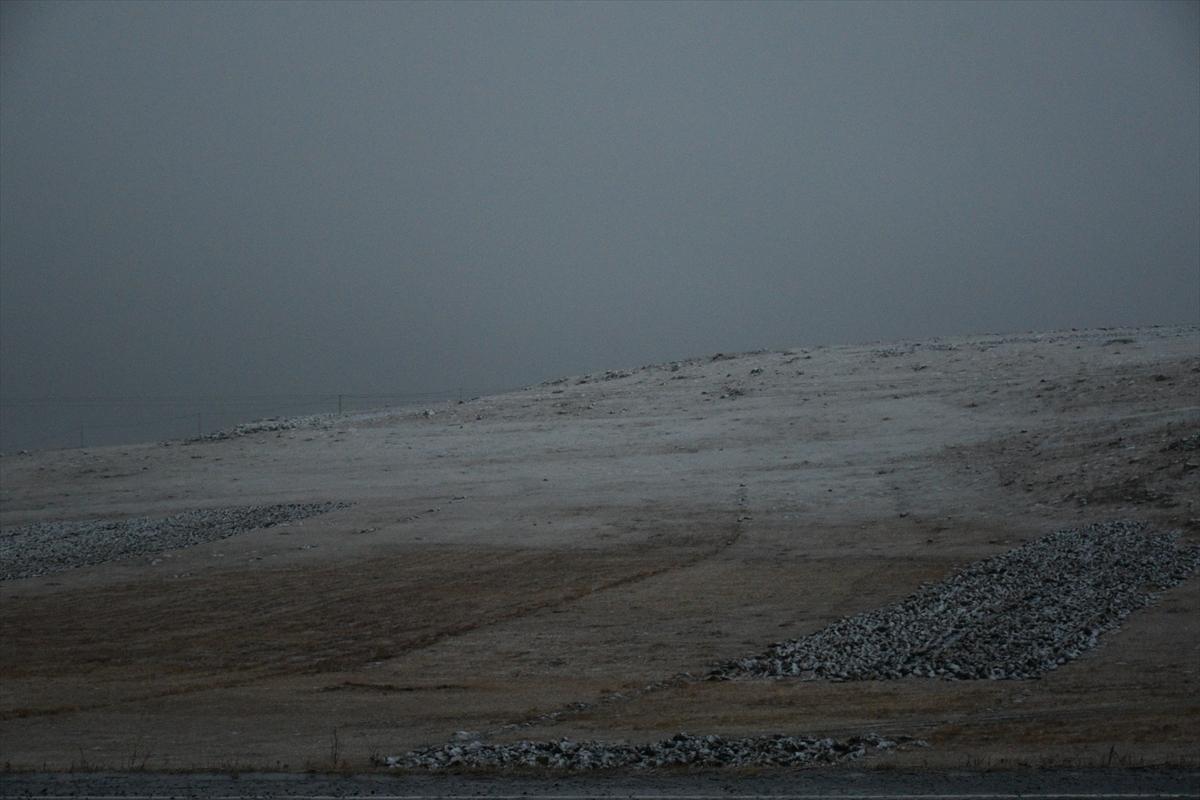 sakaltutan-gecidinde-kar-yagisi-(3).jpg