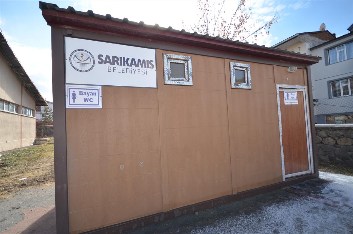 sarikamista-kapali-ve-isitmali-durak-hizmete-sunuldu-(3).jpg