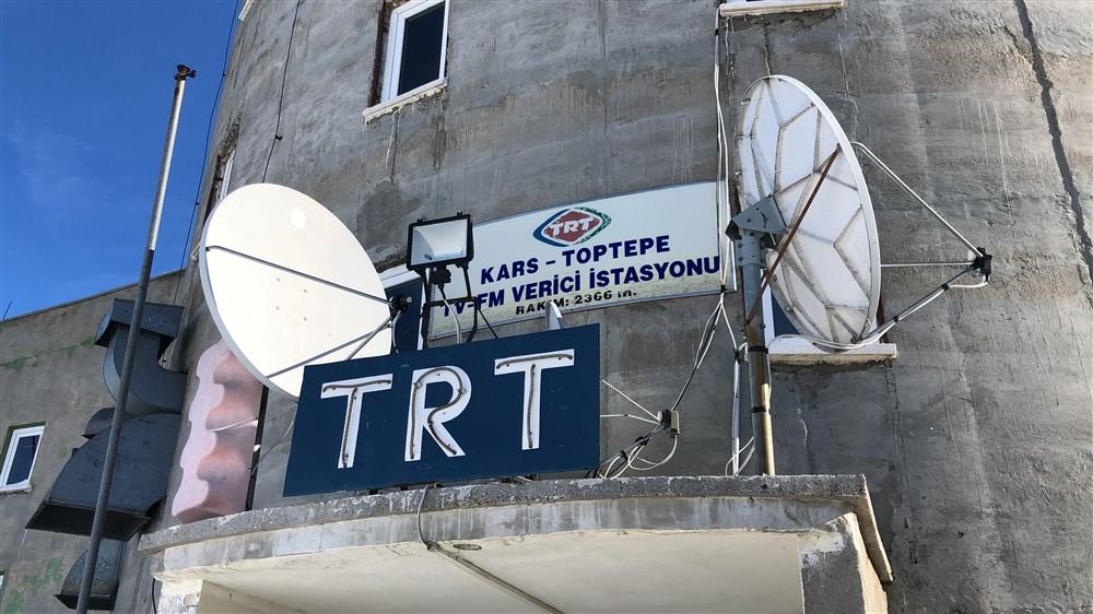 trt-kars-verici-istasyonunda-nobet-degisimi-(4).jpg
